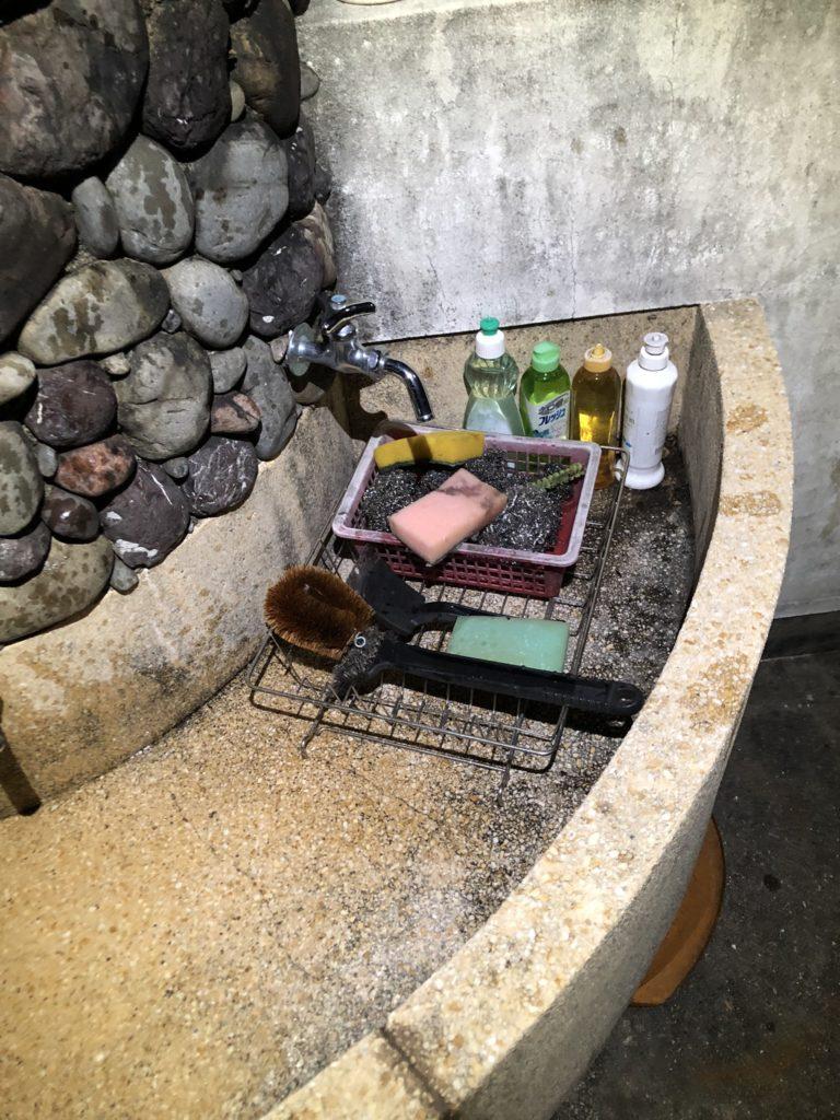 炊事用水道、食器洗い洗剤やタワシなども