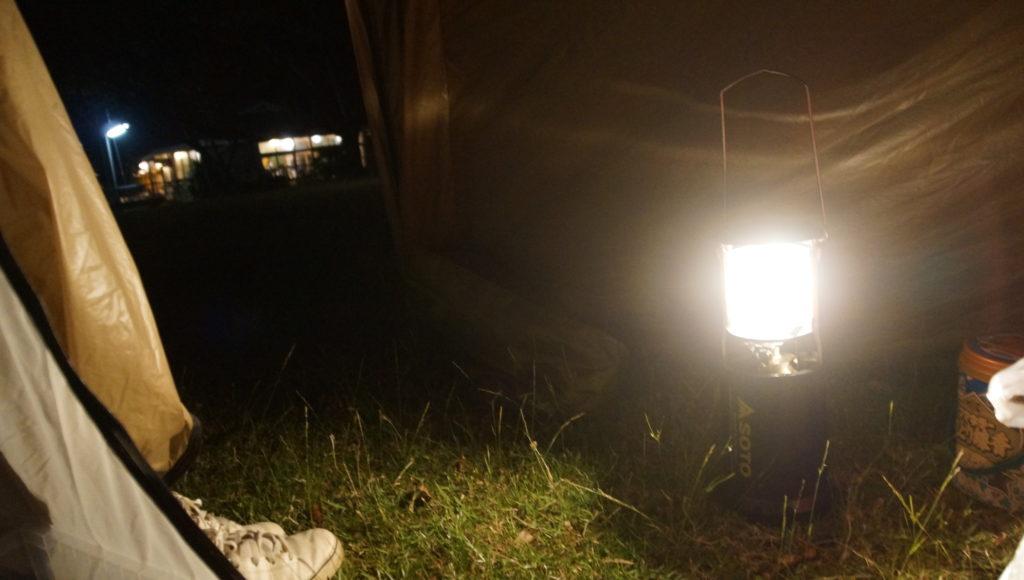 消灯時間後はテントに籠る