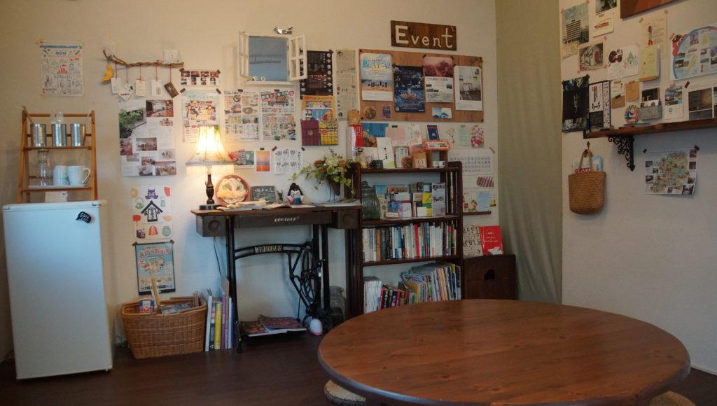 入ってすぐリビングルームでは飲食も可能。ほかの宿泊者さんやオーナーご家族との交流できた