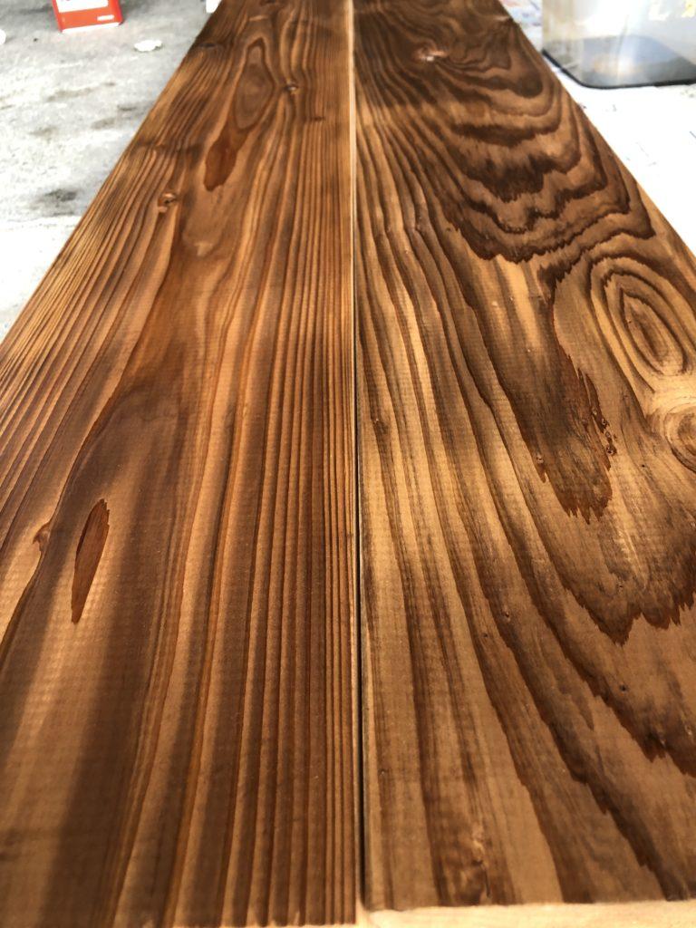 板1枚1枚で木目が違い、オイル仕上げするとそれがさらに際立つ。集成材にはない、カッコよさ。